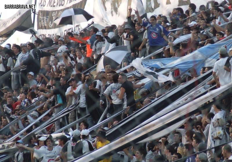 Fanaticas - Hinchas - Tribuneras - La Peste Blanca - All Boys