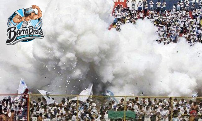 Upload Fotos Imágenes, Videos, Audios, Cantos - La Ultra Blanca y Barra Brava 96 - Alianza