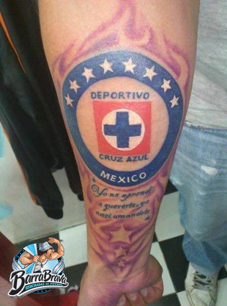 Tattoos tatuajes la sangre azul cruz azul for Tattoos mexicanos fotos